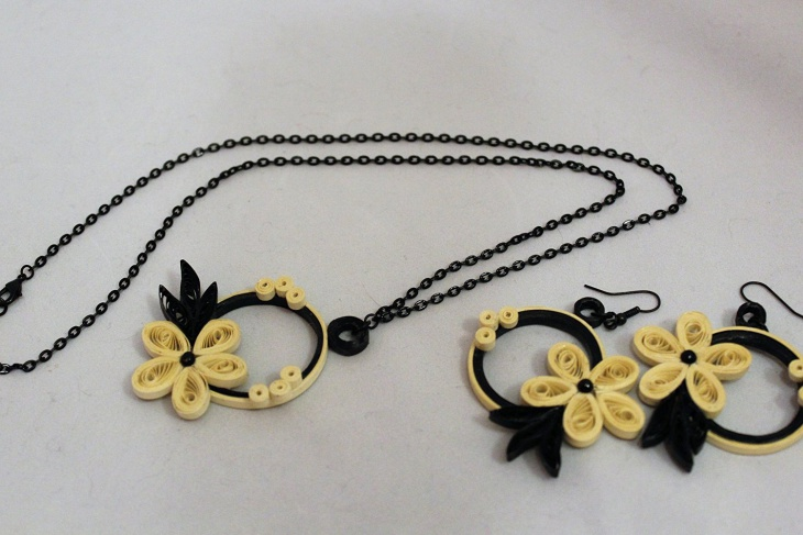 Quilling Necklace and Earrings