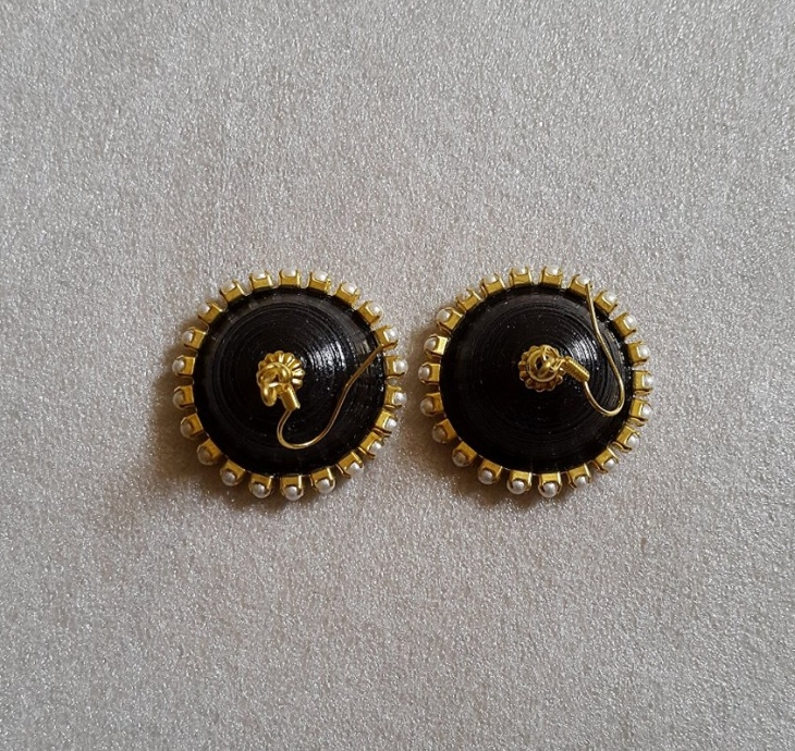 Quilling Earrings With Beads