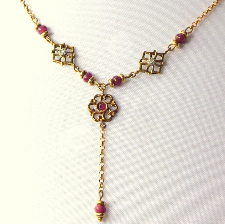 diamond and ruby necklace design