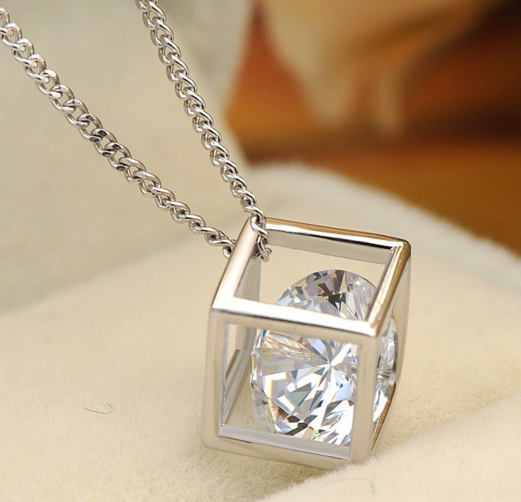 cubic diamond pendant necklace