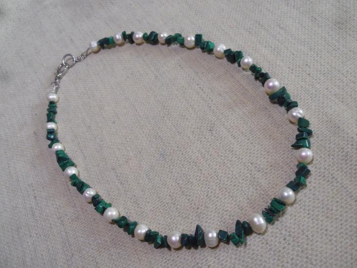 malachite chip necklace
