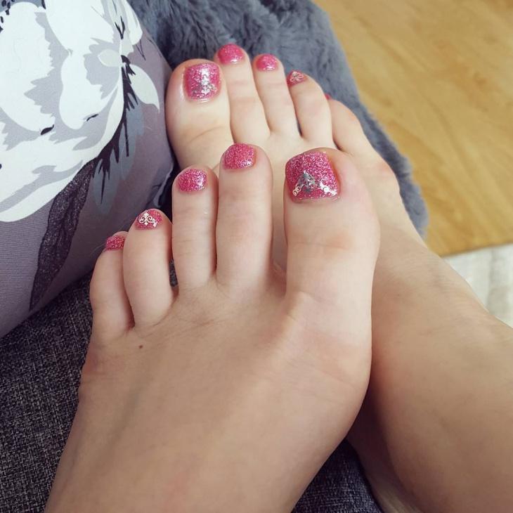 Glitter Toe Nail Design