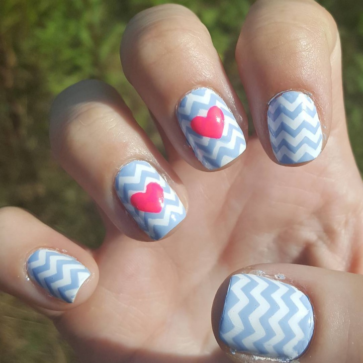 chevron striped nail design