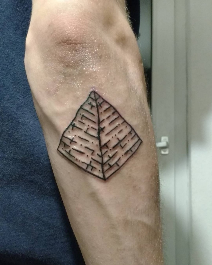 outline pyramid tattoo idea