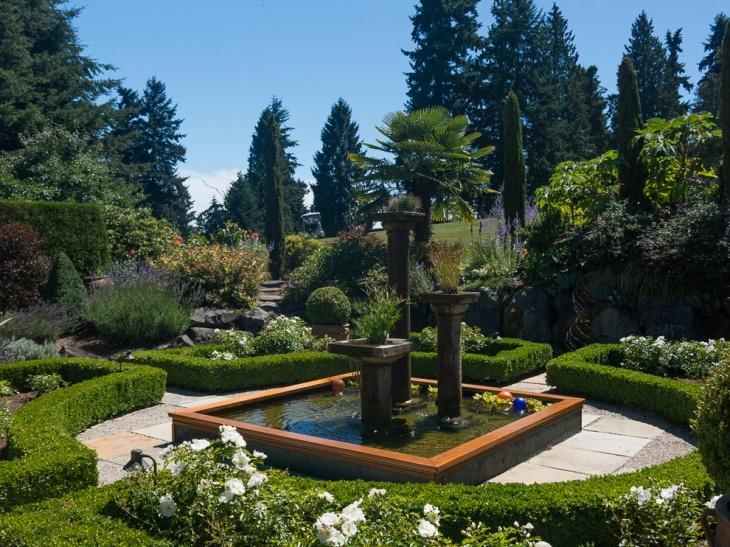 Mediterranean Square Garden Design
