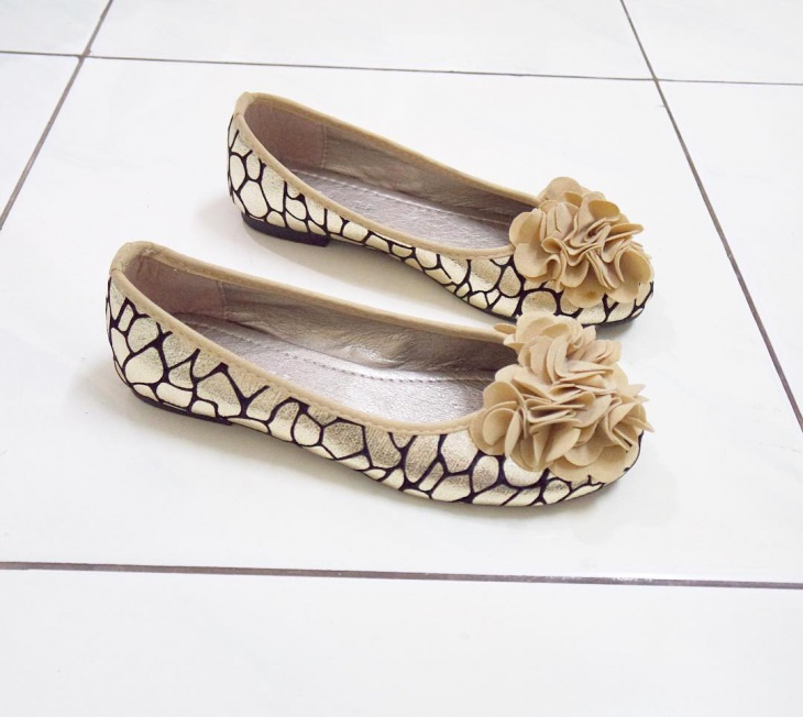 designer gold flat shoes