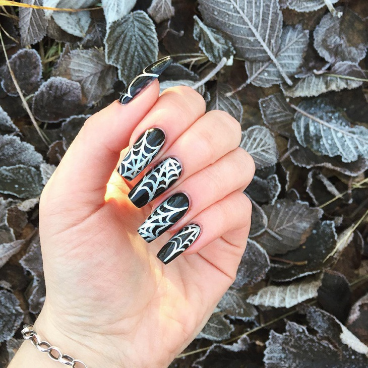 halloween spider web nail design