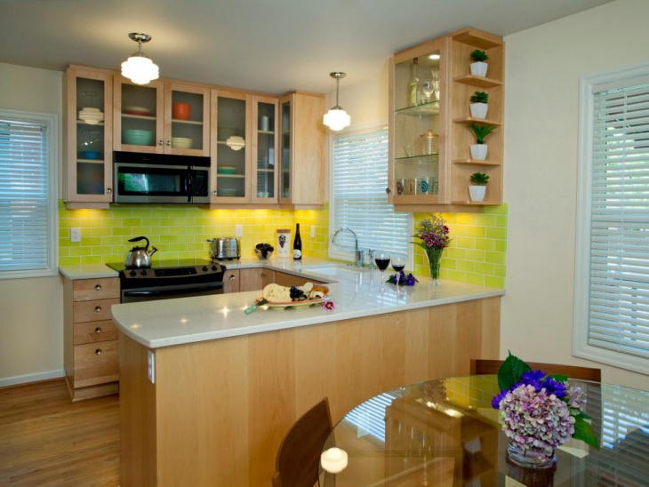 small u shaped kitchen design idea