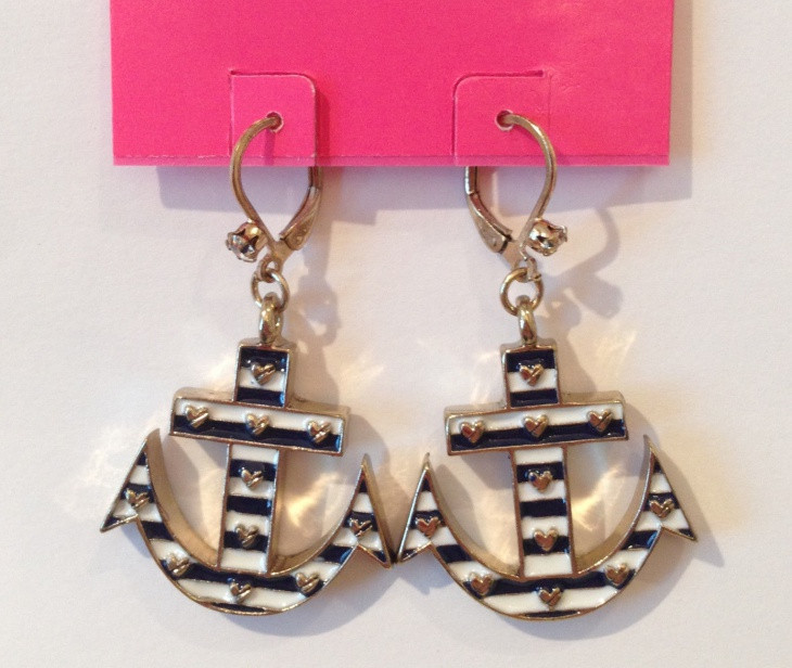 anchor drop earrings