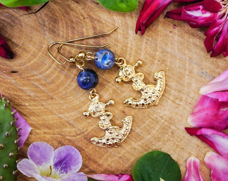 beautiful anchor earrings