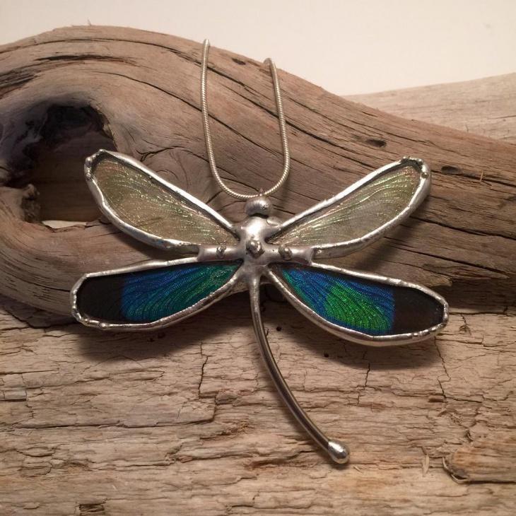 gillter gragonfly pendant
