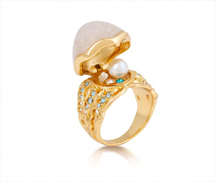gold mermaid ring model