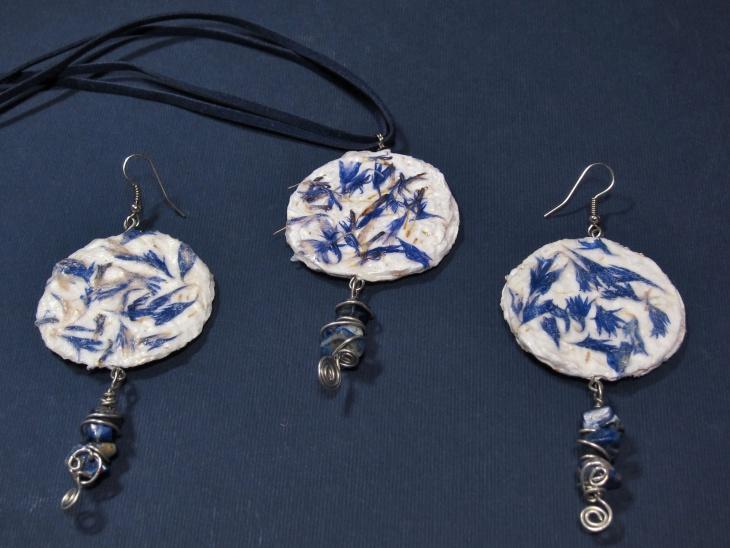 handmade paper jewelry design
