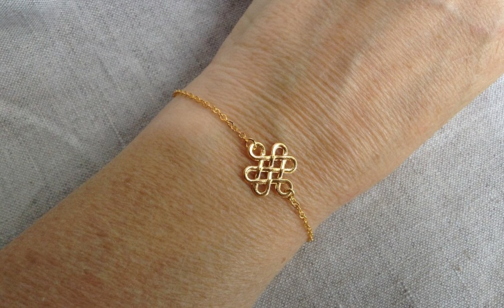celtic knot jewelry design