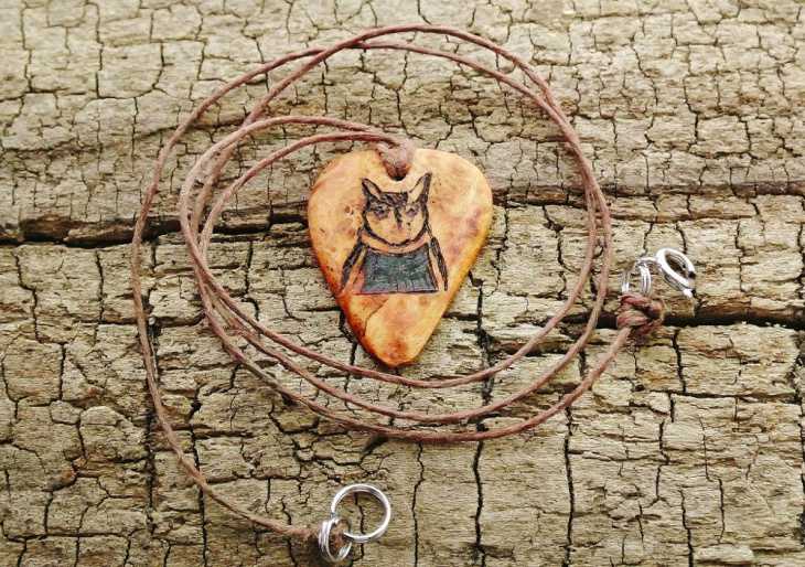 wooden owl jewelry design