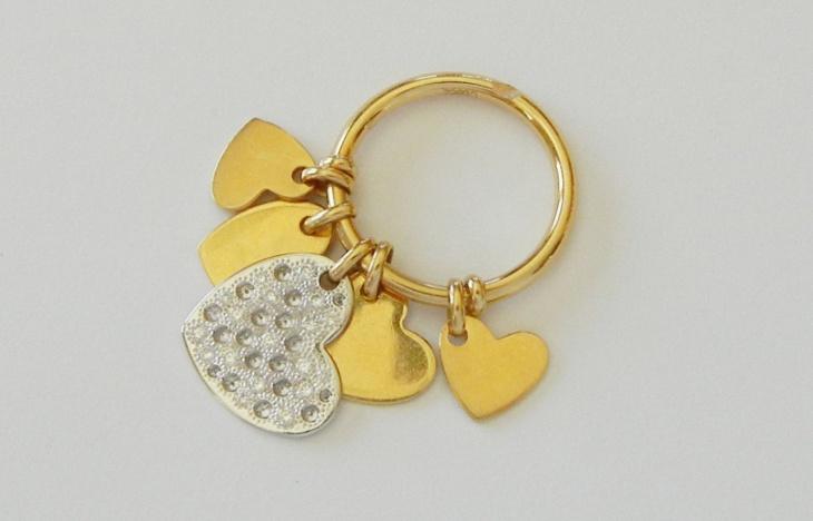 heart dangle ring design