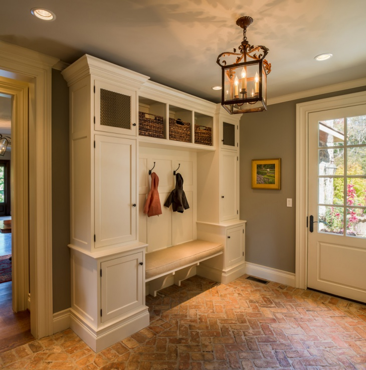 Traditional Mudroom Design