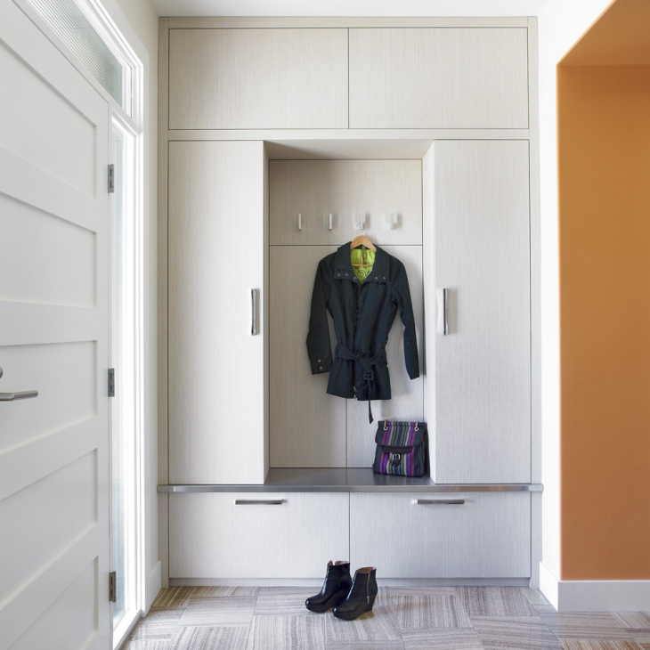 small entrance mudroom design