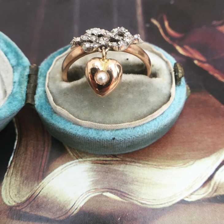 antique dangle ring idea