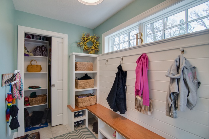 renovaation of mudroom design