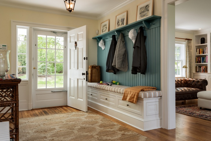 Cottage Mudroom Design