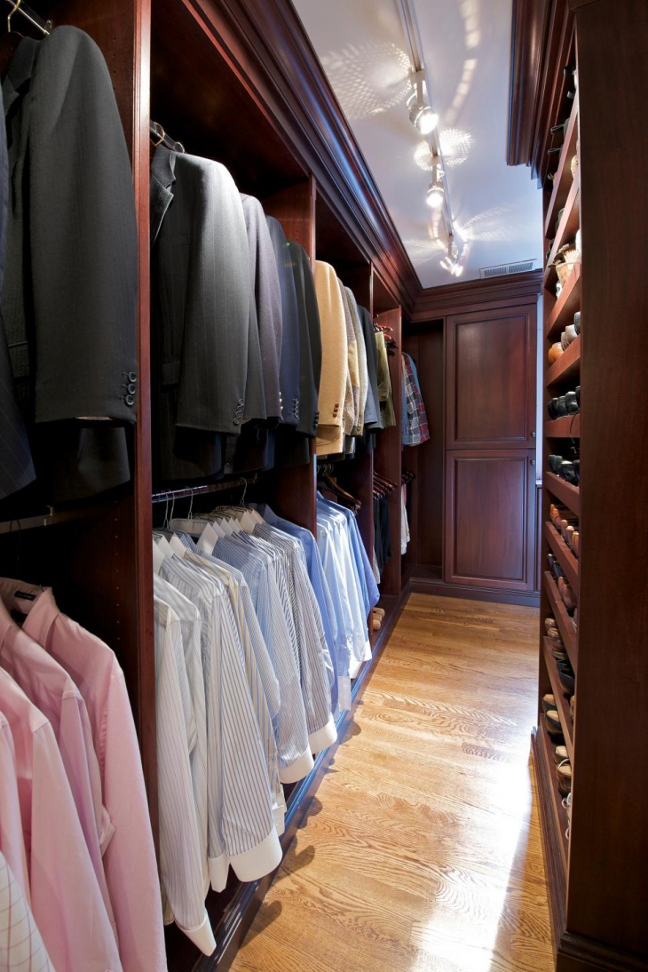 mini closet lighting idea