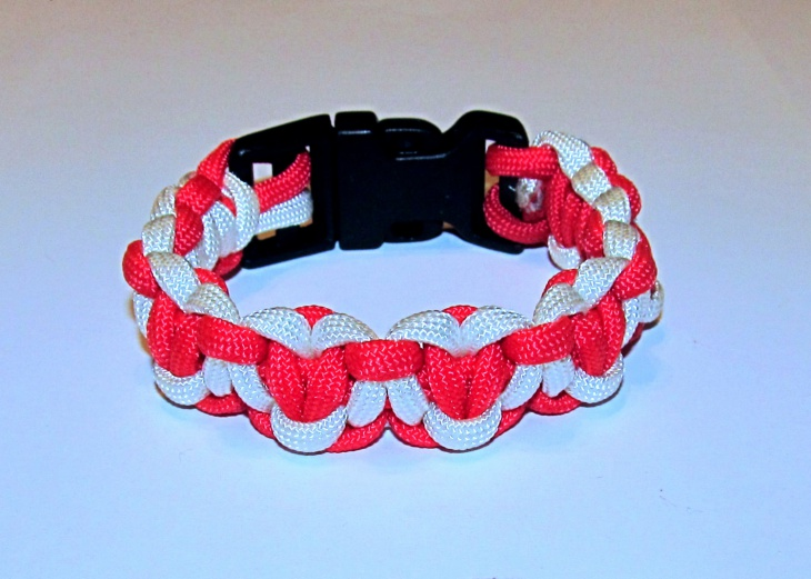 paracord heart bracelet design