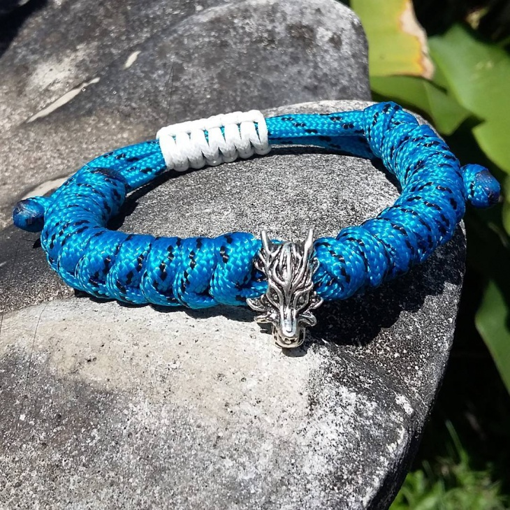 dragon skull paracord bracelet