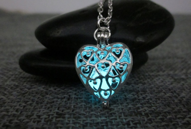 glowing heart jewelry