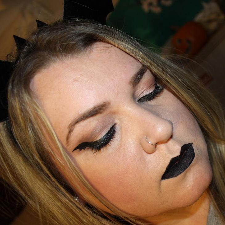 Bat Wing Eye Makeup Design