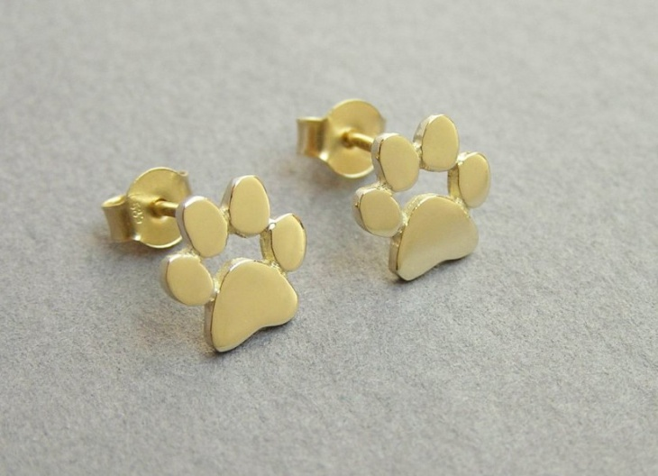gold paw print earrings