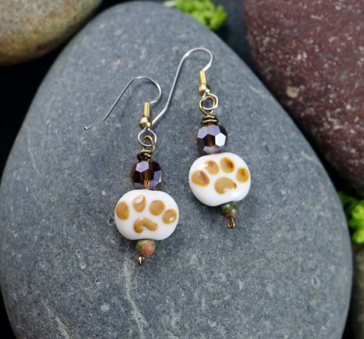 beaded paw print earrings