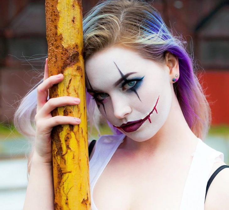 scary clown makeup design