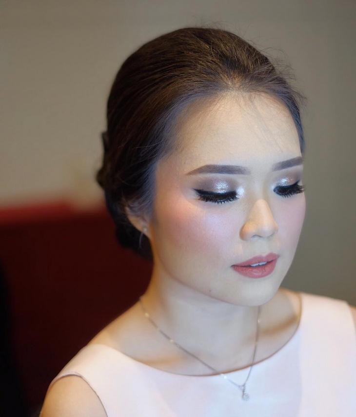 silver prom makeup design
