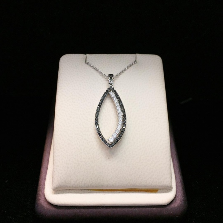 small diamond pendant design