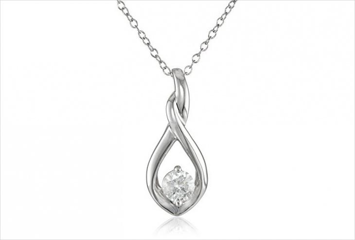 floating diamond pendant design