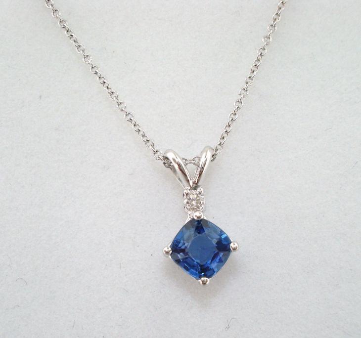 sapphire solitaire pendant design