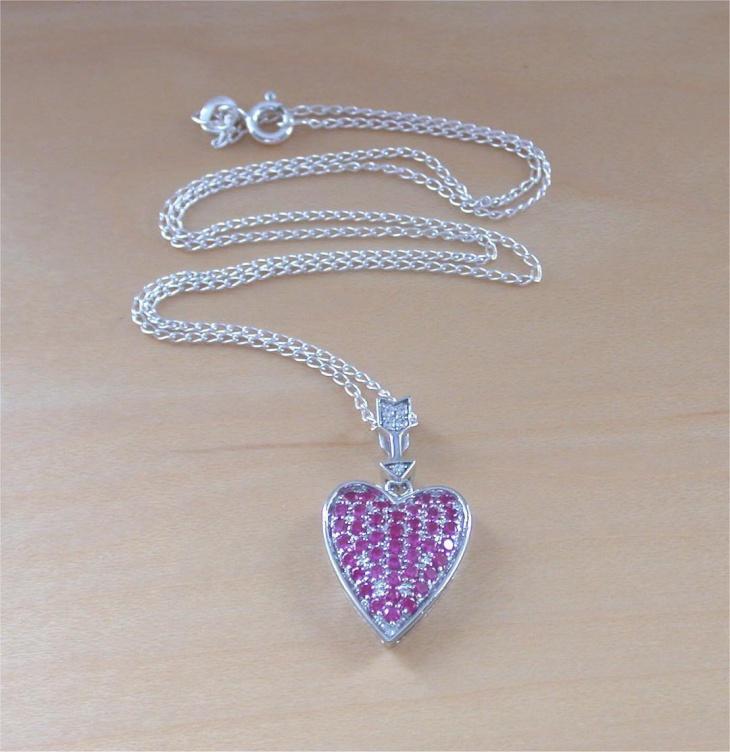ruby heart pendant design