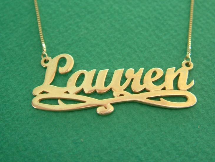 gold name pendant design