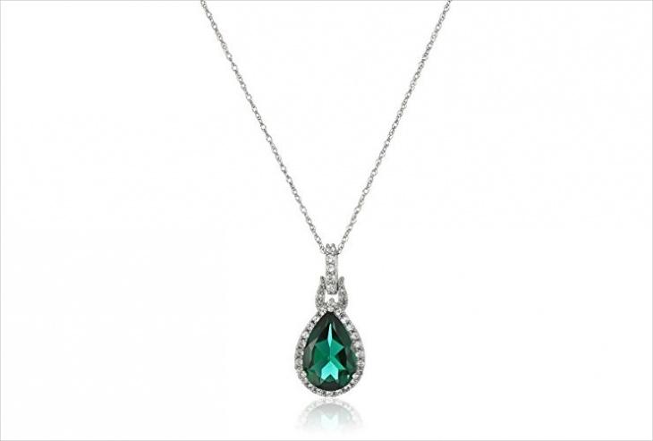 teardrop emerald pendant design
