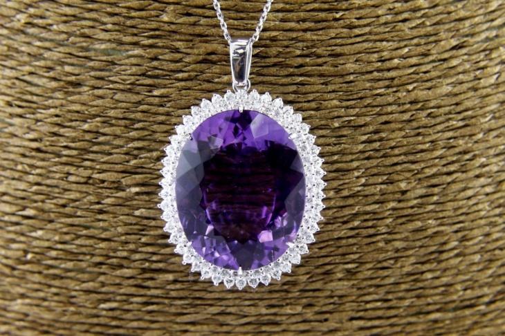 oval diamond pendant design