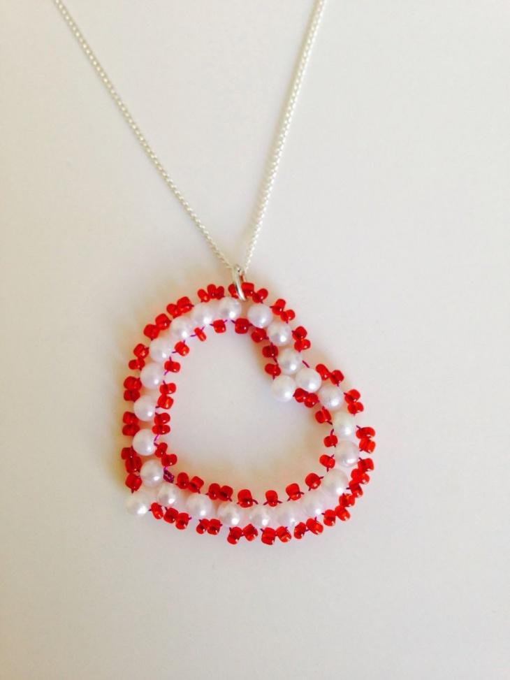beaded heart pendant design