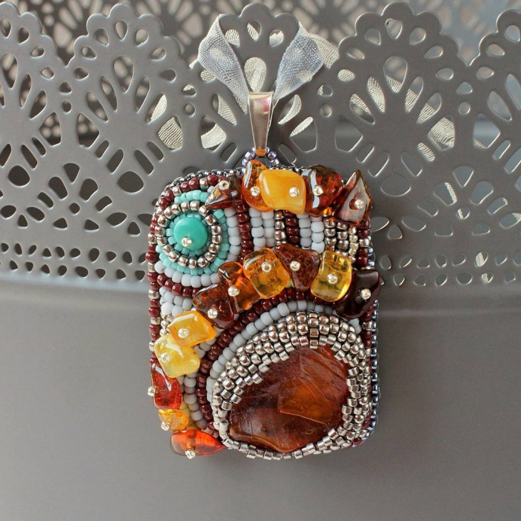 seed bead pendant design