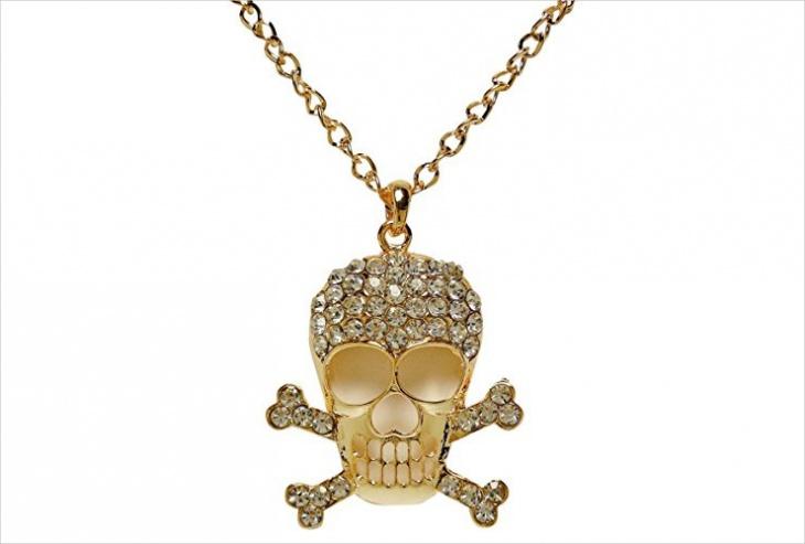 crystal skull pendant design