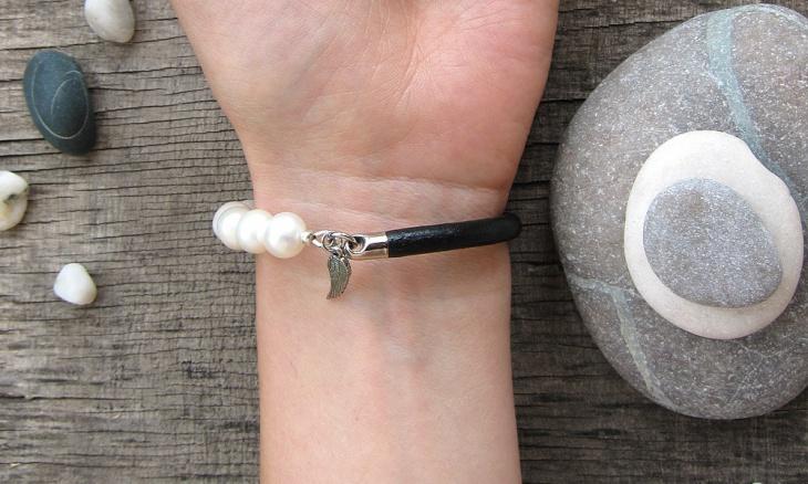 pearl leather bracelet design