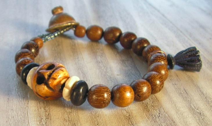 wood skull bracelet design