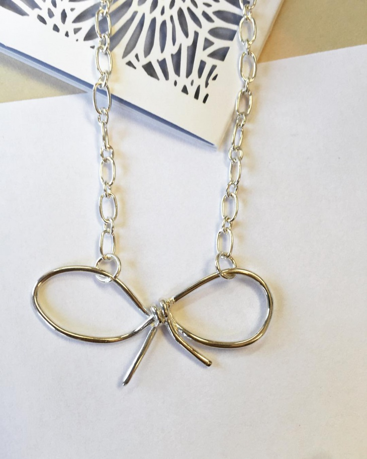 Knot Bow Necklace