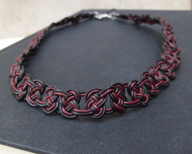 Knot Choker Necklace Idea