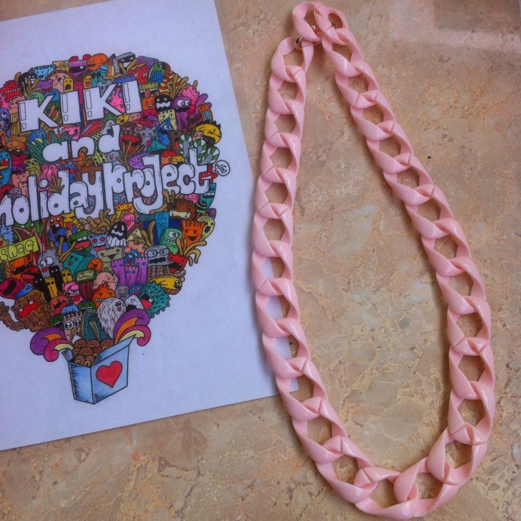 pretty pink knot necklace