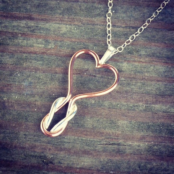 rose gold heart knot pendant necklace